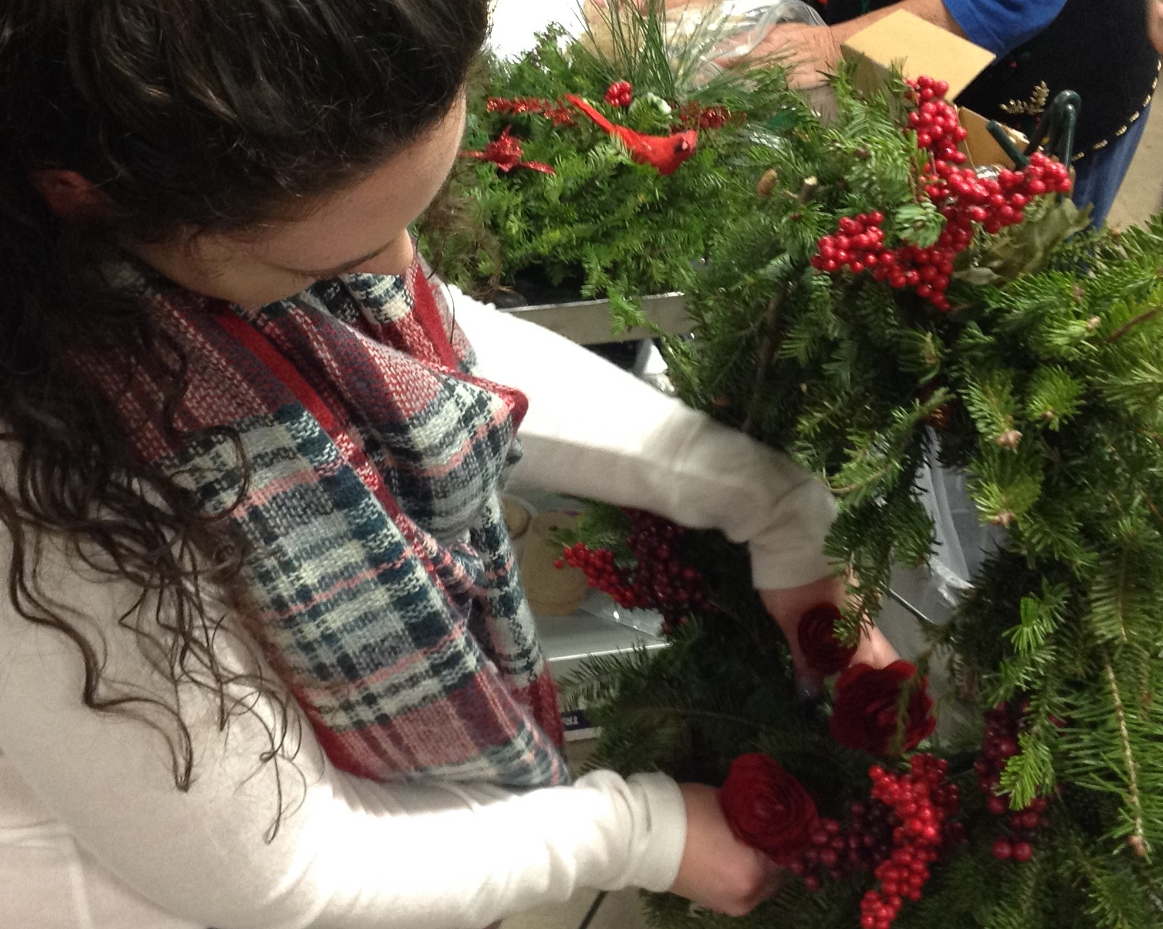 make a wreath with fresh evergreens
